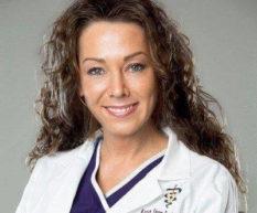 Species-Appropriate Diets: A Conversation with Dr. Karen Becker